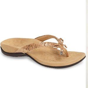 VIONIC Bella II Sandals